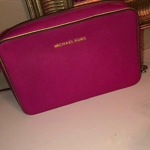 Michael kora cross body bag